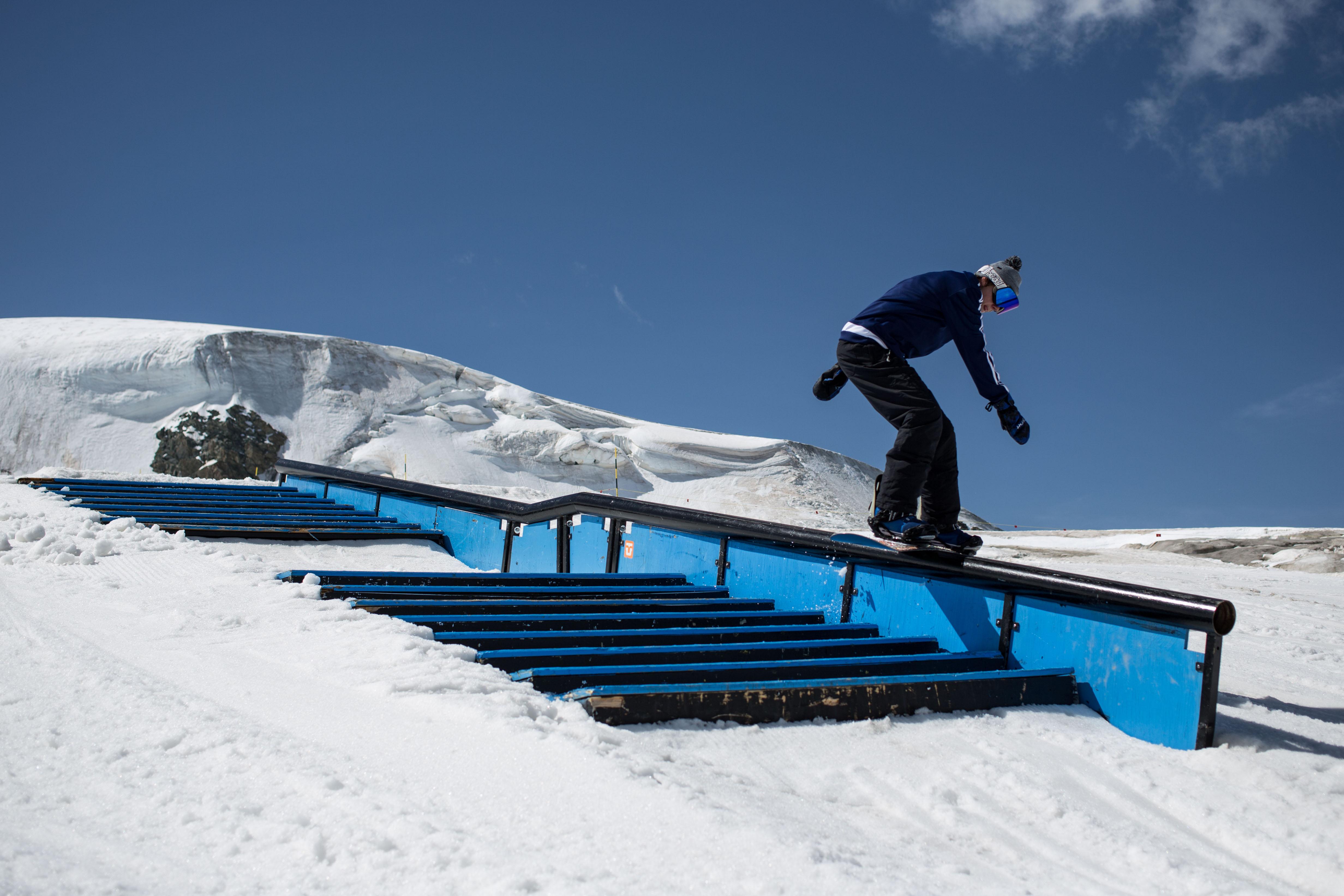 Cédric-Neff_Boardslide_Zermatt_Kuno-Egli